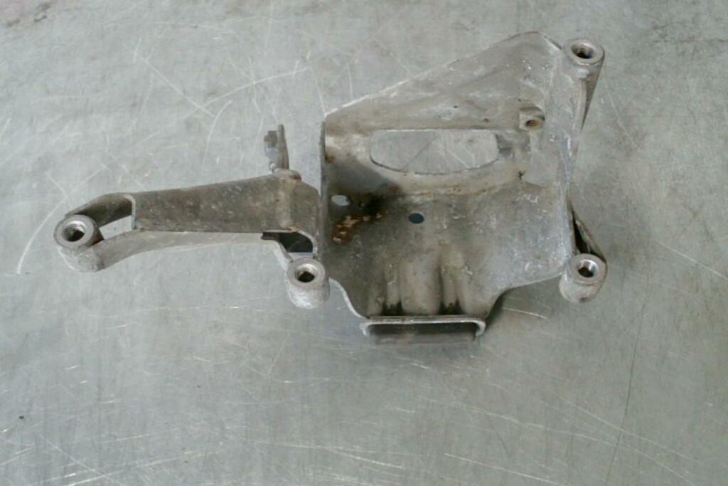 Steunplaat Links Motorsteun 4G0399059G Audi RS6 C7