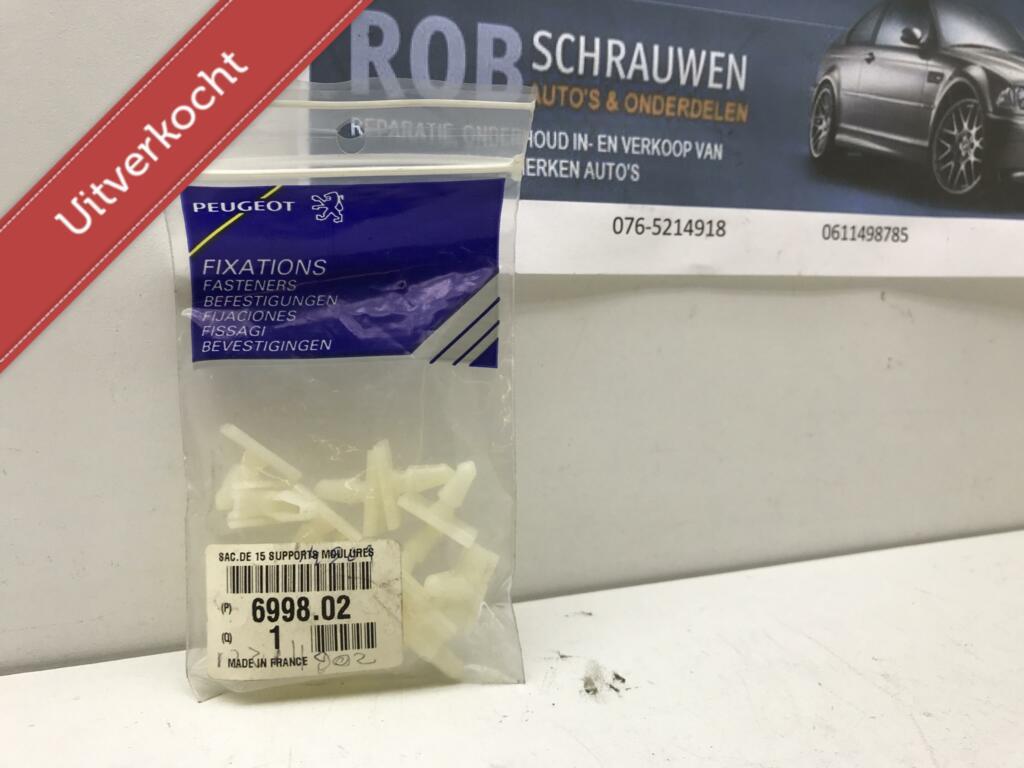 15 clips voor bumperafdekking Peugeot 205 ('83-'98) 6998.02