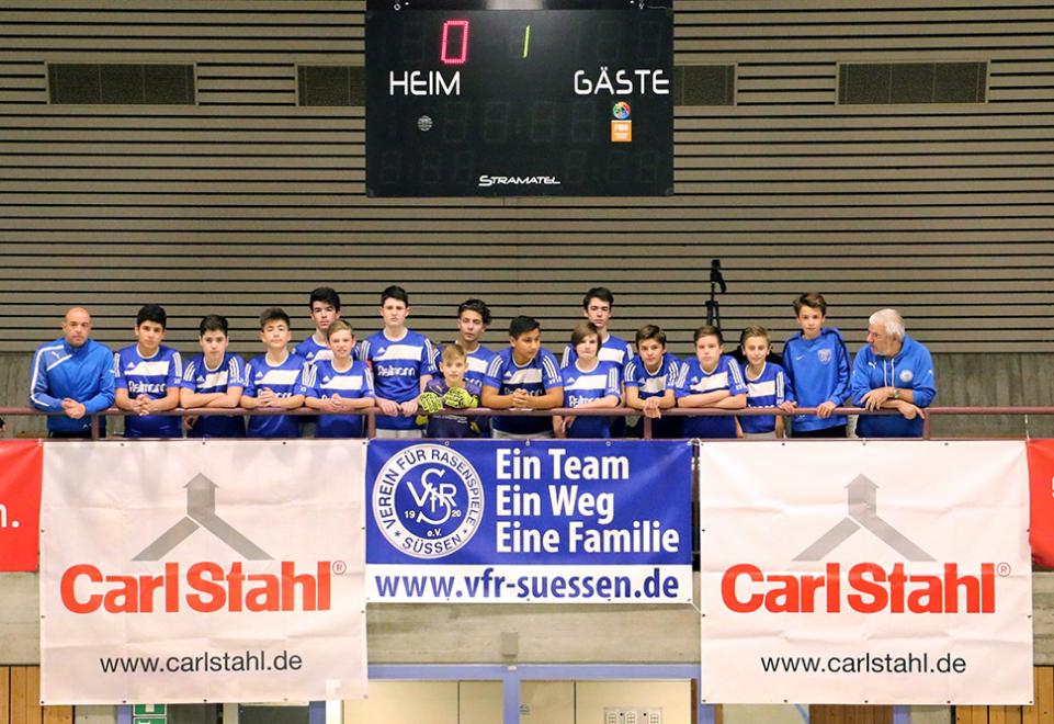 Junioren von Bundesligamannschaften zu Gast - Carl Stahl U14 Hallenfußball-Juniorencup 2016