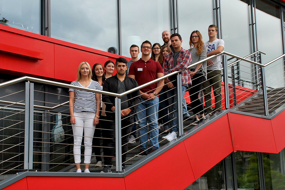Training and degree qualifications at Carl Stahl