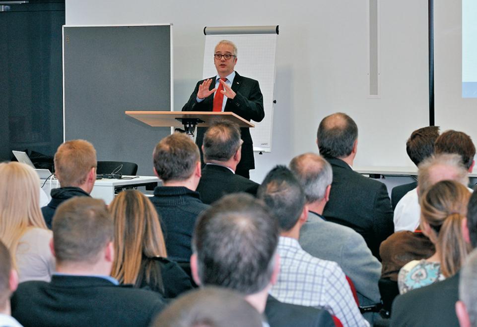 Verkäuferkonferenz des Konzernbereichs Hebetechnik der Carl Stahl GmbH