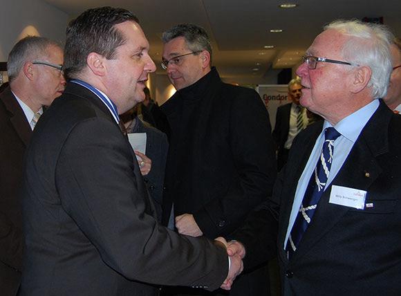 Ministerpräsident Mappus bei Carl Stahl