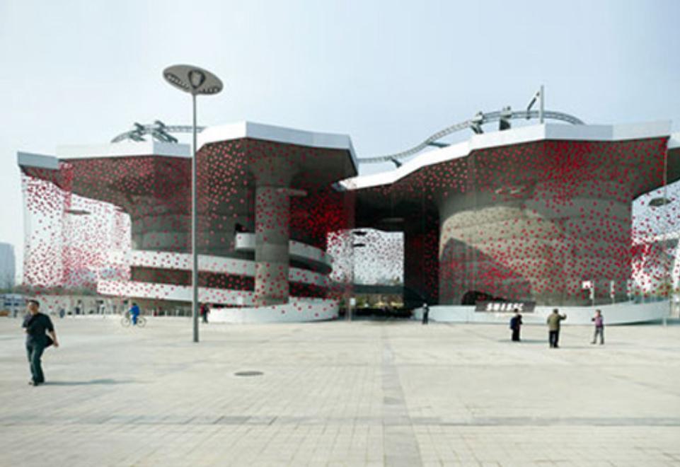"""EXPO 2010: Swiss Pavillon beeindruckt mit """"lebendiger"""" X-TEND-Fassade"""
