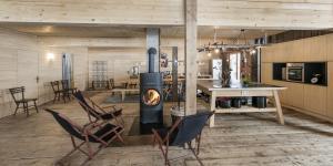 Top Büro mit Holzelementen