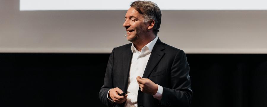 Andreas Hladky spricht auf den Bautagen