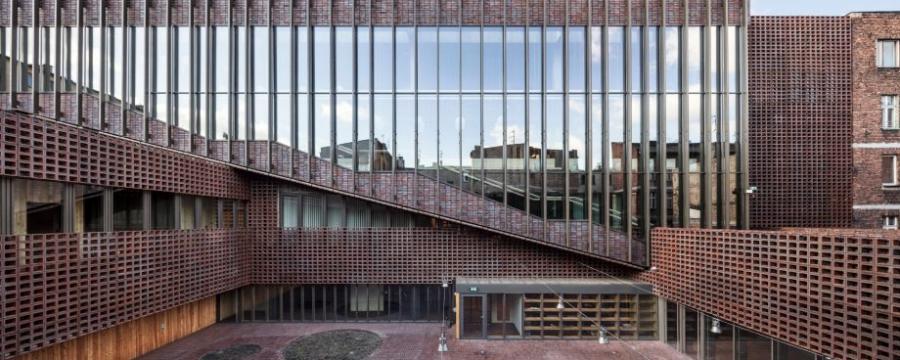 Gebäude aus Ziegel