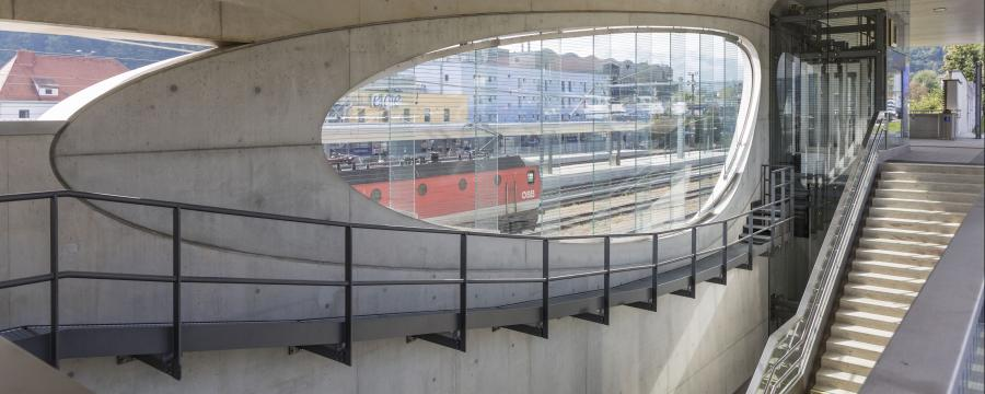 Bahnhof aus Beton