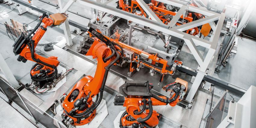 Roboter in einer Farbrik