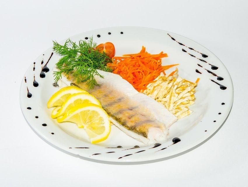 sporcular için fit sonbahar menüleri balık