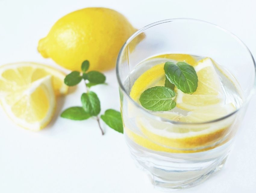 Yaz Aylarında Vücudun Sıvı İhtiyacı İçin Öneriler