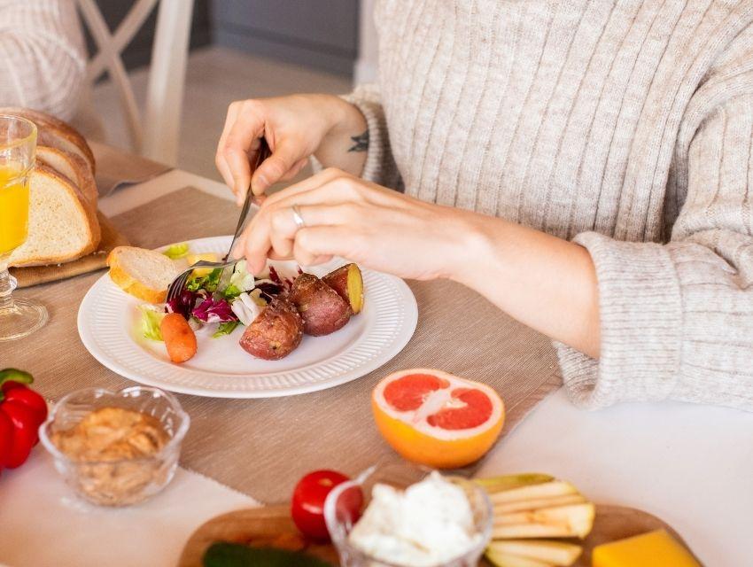 Fark Etmeden Yapılan Yanlış Beslenme Alışkanlıkları