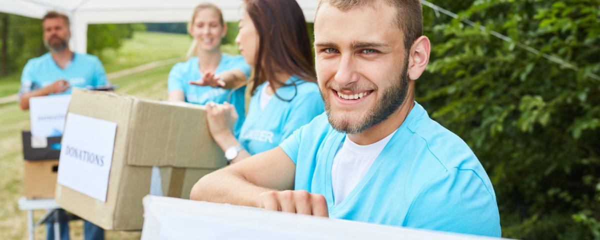 Ohne Freiwillige geht oft nichts. Sie erwarten für ihre Arbeit kein Geld, sondern Anerkennung.