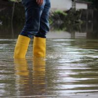 Risiken und Schäden durch Hochwasser können etwa durch ein Starkregenrisikomanagementkonzept verringert werden.