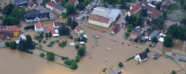 Verpflichtende Elementarschadenversicherung kann Menschen nach Hochwasser schützen.