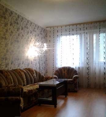 Трехкомнатная квартирапосуточно в Керчи, ул. Горького, 24. Фото 1