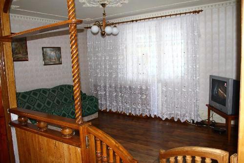 Трехкомнатная квартирапосуточно в Сергеевке, ул. Школьная, 4