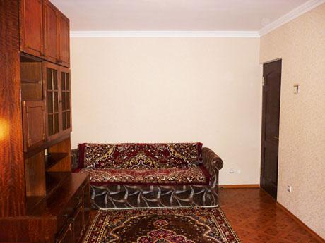 Двухкомнатная квартирапосуточно в Гаспре, ул. Маратовская , 55