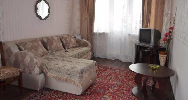 Двухкомнатная квартирапосуточно в Керчи. ул. Комарова, 2. Фото 1
