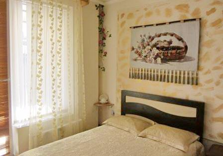 Однокомнатная квартирапосуточно в Одессе, Приморский район, ул. Дерибасовская, 31. Фото 1
