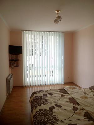 1-комнатная квартира посуточно в Тернополе. ул. Белогорская, 18в. Фото 1
