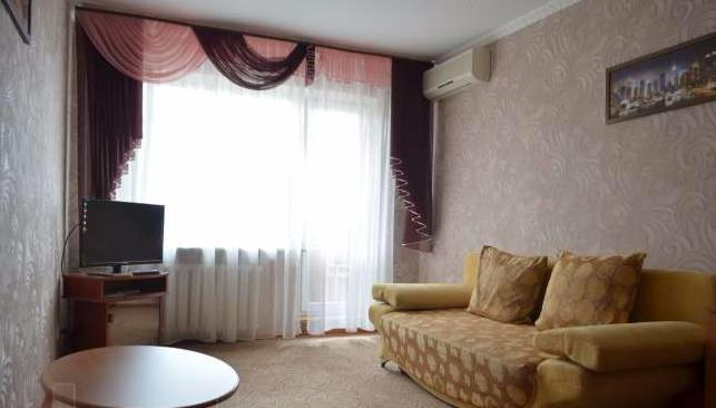 Двухкомнатная квартирапосуточно в Керчи. ул. Самойленко, 11. Фото 1