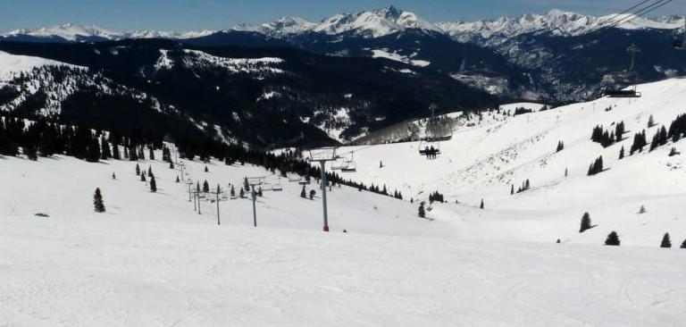 The lessons of snowboarding for beginners in Vail Resorts, Colorado
