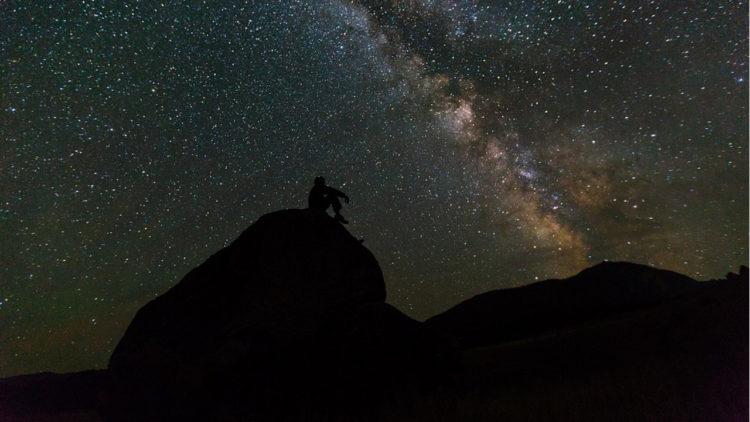 رصد فلك سماء ليل نجوم فضاء