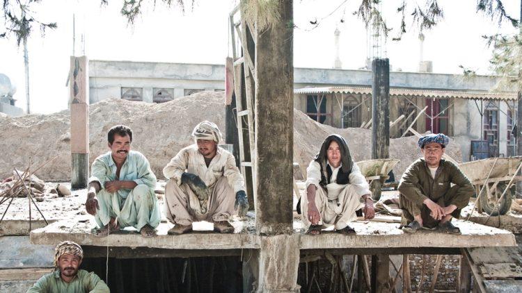 عمال بناء، المصانع