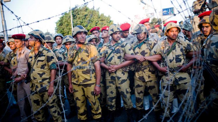 الجيش المصري, التجنيد الإجباري, مصر, القاهرة, مسيرة ضد الجيش, المجلس العسكري