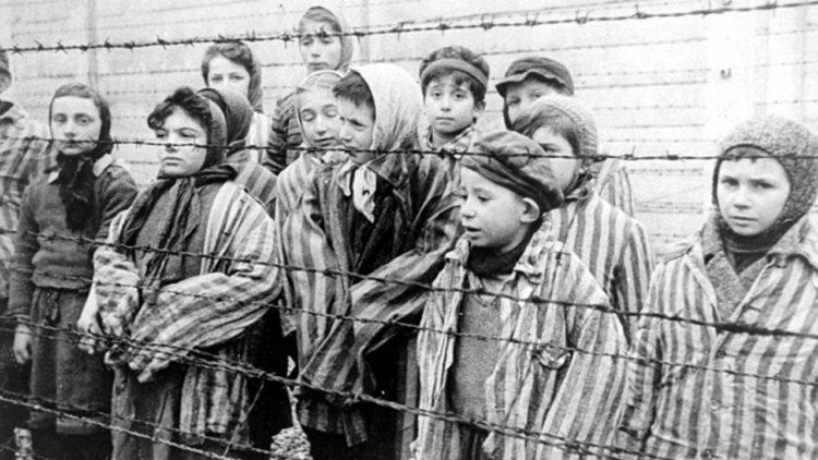 معسكرات الاعتقال