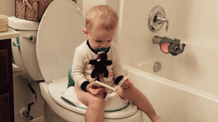تدريب الطفل استخدام الحمام