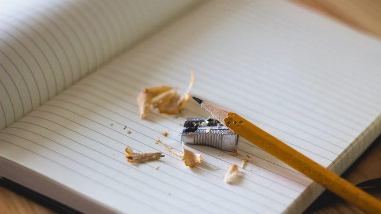 قلم رصاص, كتابة, تاريخ الكتابة, مبراة