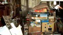 اضطراب الاكتناز, غرفة مكدسة, تلفاز قديم, غرفة قديمة, أغراض