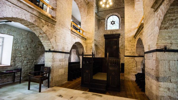 كنيس اليهود في البوسنة والهرسك, المسلمين في البوسنة, اليهود