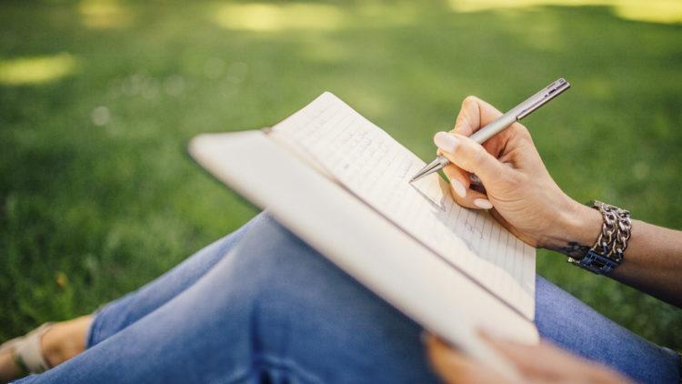 كتابة، علم نفس، اكتئاب، العلاج بالكتابة
