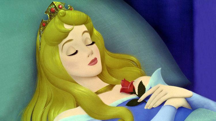 الجميلة النائمة