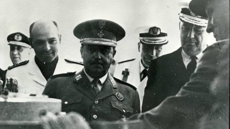 الجنرال الإسباني فرانثيسكو فرانكو