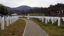 مذبحة سربرنيتسا, البوسنة, مقابر
