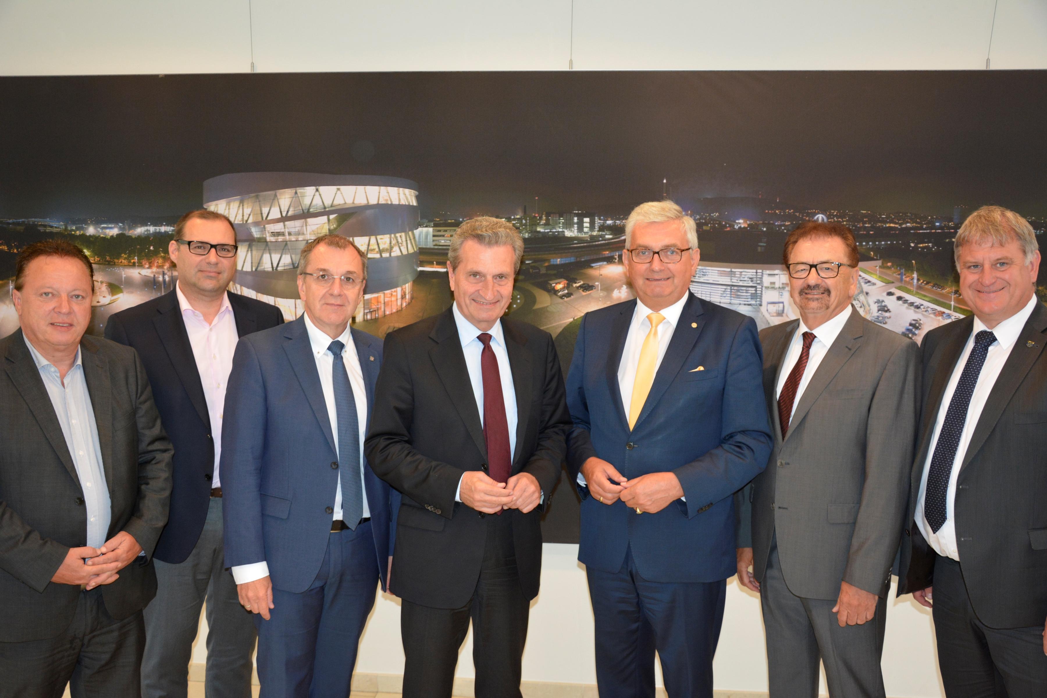 Gruppenbild mit Oettinger
