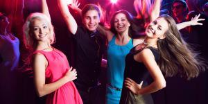 Jugendliche in einem Club