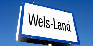 "Tafel ""Wels-Land"""