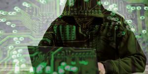 Hacker am Computer