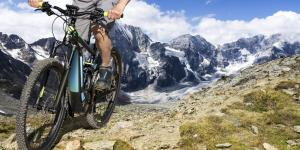 E-Mountainbike am Berg