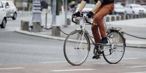 Radfahrer auf einen Radfahrsteifen