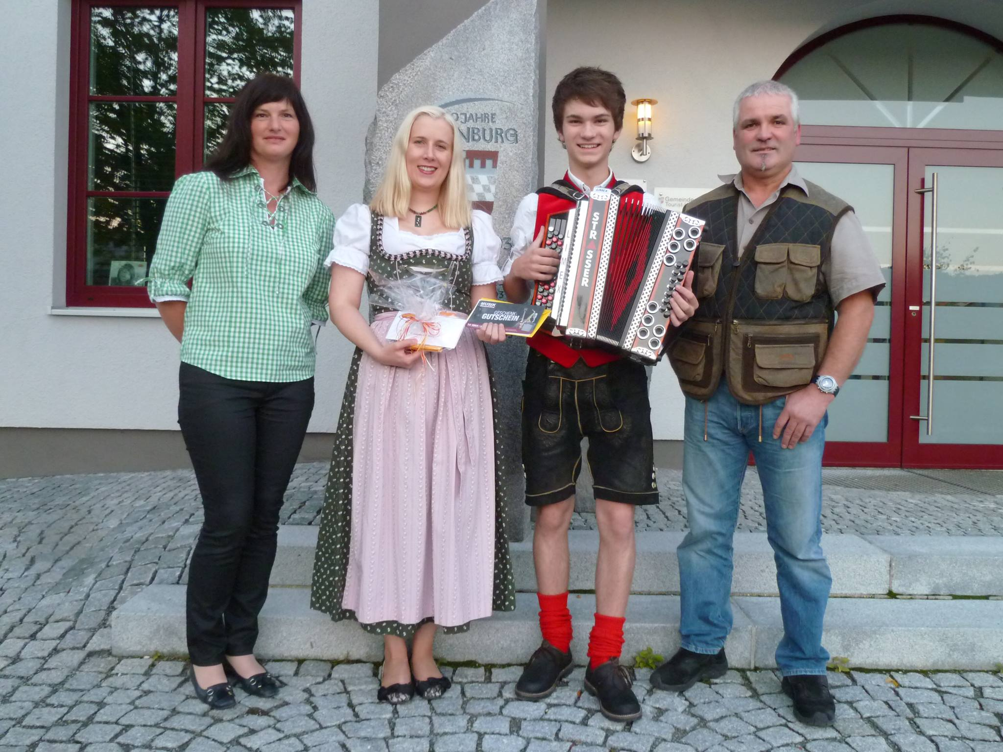 musikalisch unterwegs - Josefa Schmid