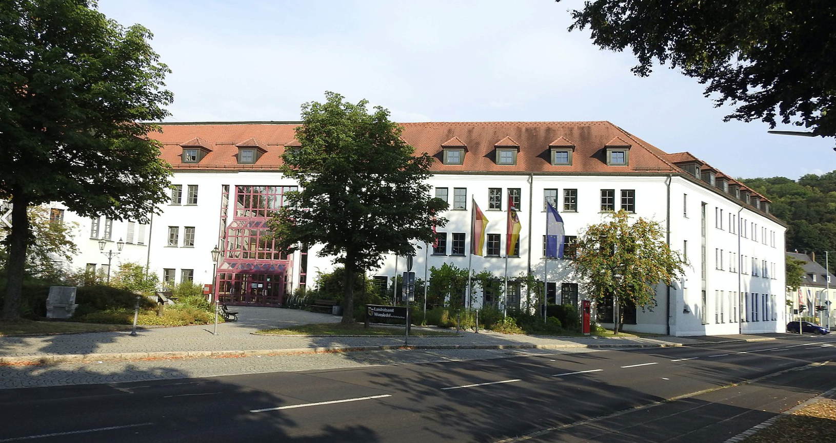 Das Landratsamt in Wunsiedel will das Heimatgefühl der Bürger stärken