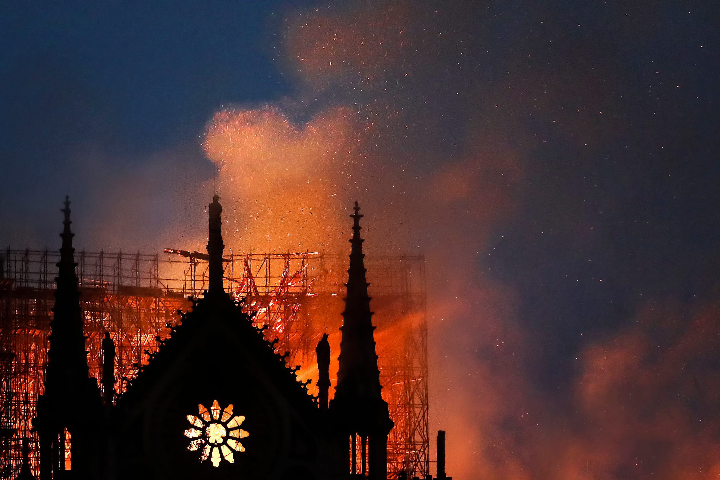 Wäre die deutsche Feuerwehr auf diesen Brand gerüstet gewesen? (c)Martina Badini/shutterstock