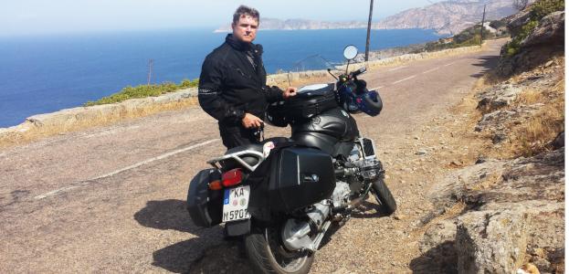 Bürgermeister von Bretten, Martin Wolff, fährt Motorrad