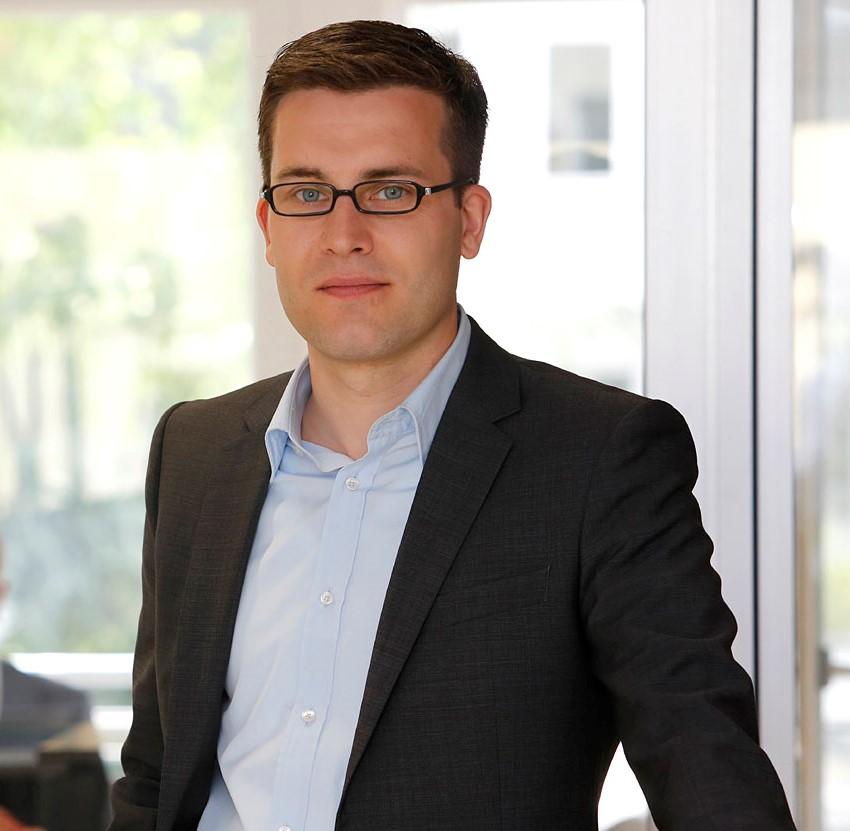 Christian Knebel ist Geschäftsführer der Firma publicplan in Düsseldorf. Das Unternehmen bietet Öffentlichen Verwaltungen Unterstützung bei der Realisierung von E-Government Vorhaben an.