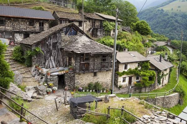 Seit den 70er Jahren steht das Dorf fast leer - ein neues Konzept soll nun Leben in die Gemeinde bringen